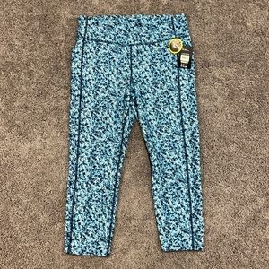 NWT blue capri active leggings size L